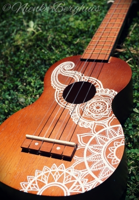 ukulele-with-mandala-design